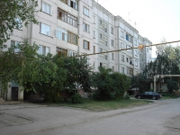 Chapaevsk, Lenin st, house 82. Apartment house