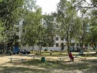 Chapaevsk, Shchors st, house 102. Apartment house