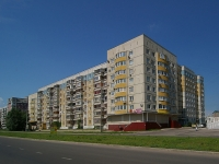 Togliatti, 40 Let Pobedi st, house 18. Apartment house