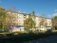 Togliatti, 50 let Oktyabrya blvd, house 38. Apartment house