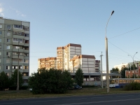 Togliatti, 70 let Oktyabrya st, house 12. Apartment house