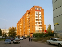 neighbour house: st. 70 let Oktyabrya, house 43. Apartment house