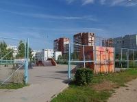 соседний дом: ул. 70 лет Октября. спортивная площадка