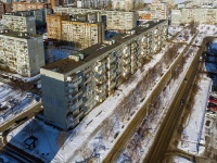 Togliatti, 70 let Oktyabrya st, house 22. Apartment house