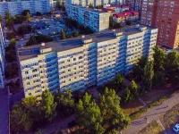 neighbour house: st. 70 let Oktyabrya, house 35. Apartment house