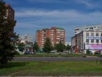 Togliatti, 70 let Oktyabrya st, house 40. Apartment house