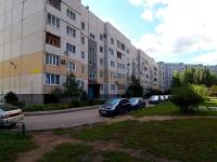 Togliatti, 70 let Oktyabrya st, house 74. Apartment house