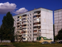 neighbour house: st. 70 let Oktyabrya, house 82. Apartment house