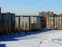 Togliatti, 70 let Oktyabrya st, house 82. Apartment house
