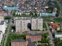 Togliatti, Avtozavodskoe shosse, house 28. Apartment house