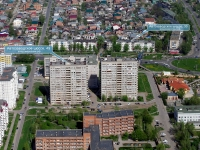 Togliatti, Avtozavodskoe shosse, house 49. Apartment house