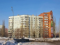 Togliatti, Avtosrtoiteley st, house 104. Apartment house