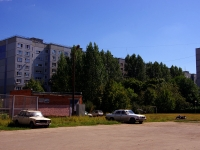 Togliatti, Avtosrtoiteley st, house 38. Apartment house