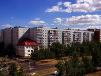 Togliatti, Avtosrtoiteley st, house 53. Apartment house
