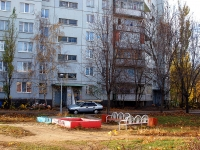 Togliatti, Avtosrtoiteley st, house 70. Apartment house