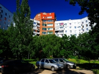 Togliatti, Avtosrtoiteley st, house 72А. Apartment house