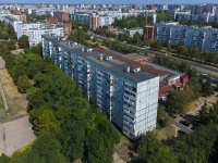 Togliatti, Avtosrtoiteley st, house 94. Apartment house