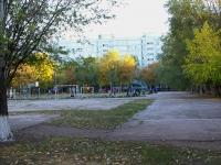 Togliatti, Voroshilov st, house 32. school