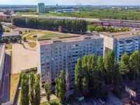Togliatti, st Voroshilov, house 2. Apartment house