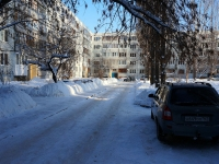 Togliatti, Voroshilov st, house 12. Apartment house