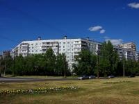 隔壁房屋: st. Golosov, 房屋 44. 公寓楼