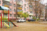 Togliatti, Gorky st, house 37. Apartment house