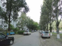 Togliatti, Dzerzhinsky st, house 49. Apartment house