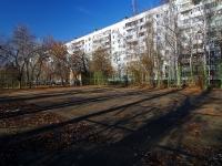 Тольятти, Луначарского бульвар. спортивная площадка