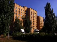 Togliatti, Dzerzhinsky st, house 25. Apartment house
