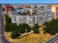 Togliatti, st Dzerzhinsky, house 10. Apartment house