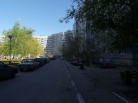 Togliatti, Dzerzhinsky st, house 10. Apartment house