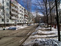 Togliatti, Dzerzhinsky st, house 43. Apartment house