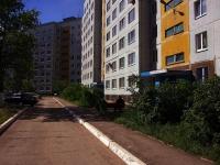 Togliatti, Zheleznodorozhnaya st, house 37. Apartment house
