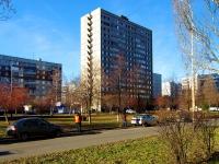 陶里亚蒂市, Kosmonavtov blvd, 房屋 16. 公寓楼
