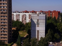 Togliatti, Kosmonavtov blvd, house 24. Apartment house