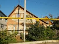 Тольятти, улица Крупской, дом 110. индивидуальный дом