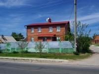 Тольятти, улица Ларина, дом 20. индивидуальный дом