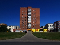 Togliatti, Lenin blvd, house 7А. Apartment house