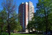 Togliatti, Leninsky avenue, house 19. Apartment house