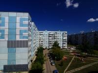 Тольятти, улица Льва Яшина, дом 8. многоквартирный дом