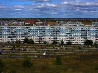 Тольятти, улица Льва Яшина, дом 10. многоквартирный дом