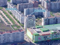 Togliatti, Lev Yashin st, house 12. Apartment house
