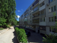 Togliatti, Matrosov st, house 42. Apartment house