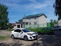Togliatti, st Mayakovsky, house 102. Private house