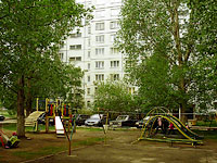neighbour house: st. Mekhanizatorov, house 16. Apartment house