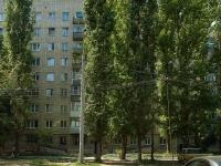 Togliatti, Mira st, house 98. Apartment house