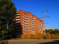 Togliatti, Mira st, house 127. Apartment house