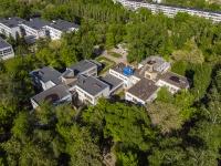 neighbour house: blvd. Ordzhonikidze, house 16. governing bodies Главное управление социальной защиты населения Центрального округа