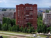 Togliatti, st Ofitserskaya, house 6. Apartment house