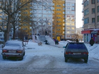 Togliatti, Primorsky blvd, house 9. Apartment house